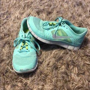 Women's Nike Free Run. Size 8.5